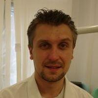 Гусаров  Евгений Андреевич, стоматолог-терапевт, стоматолог-ортопед, стоматолог-хирург.
